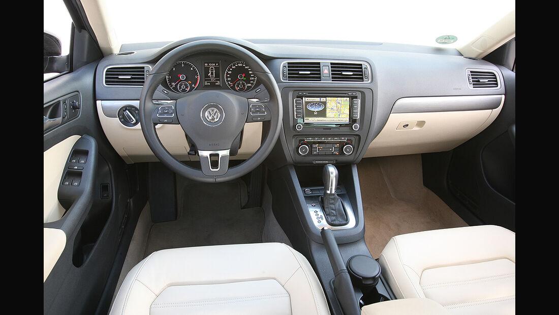 VW Jetta, Innenraum, Cockpit