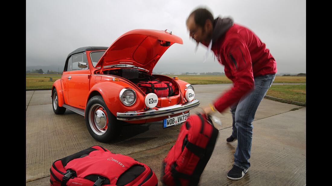 VW Käfer 1302 LS Cabriolet, Kofferraum, Beladung