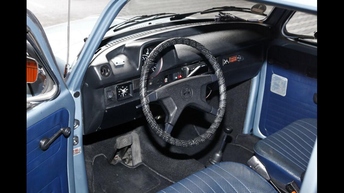 VW Käfer 1303 Automatic, Baujahr 1973 Cockpit
