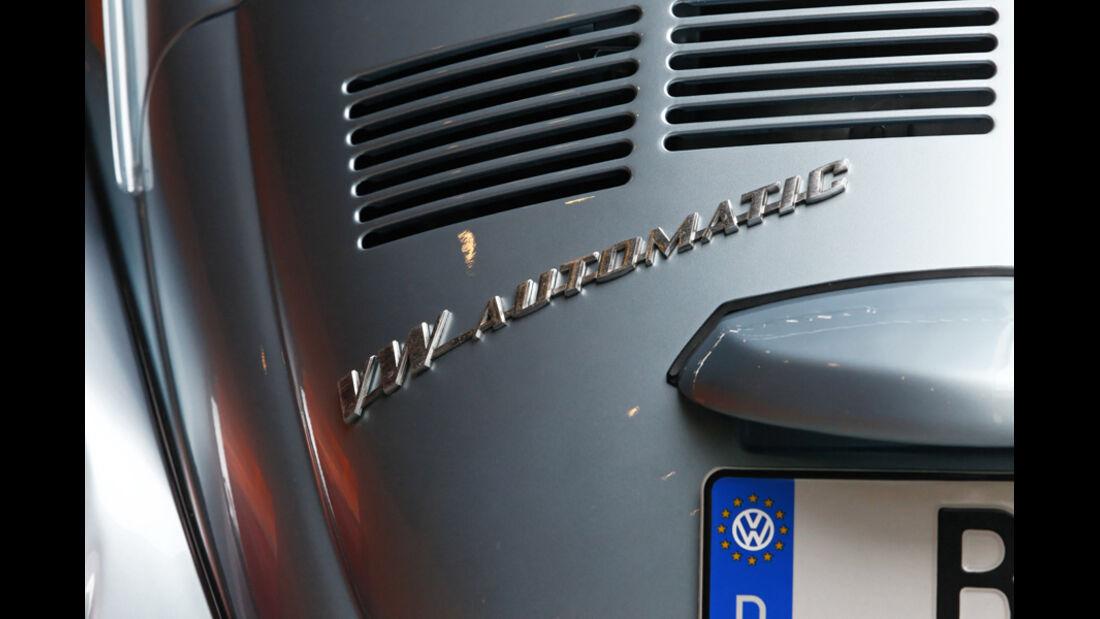 VW Käfer 1303 Automatic, Baujahr 1973 Emblem
