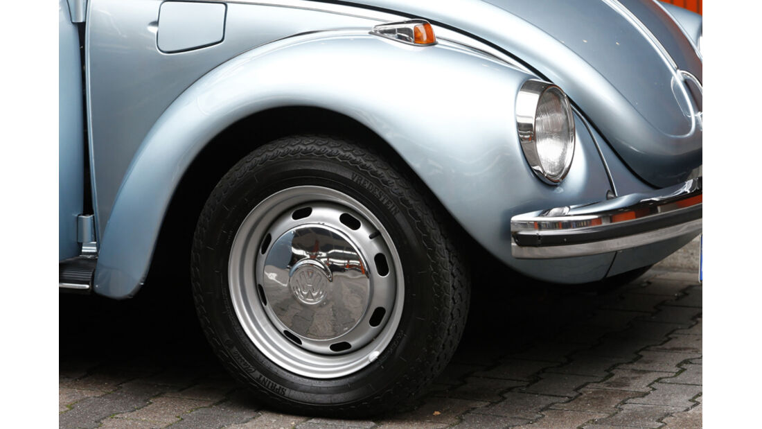VW Käfer 1303 Automatic, Baujahr 1973 Kotflügel Rad