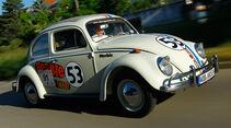 VW Käfer, Herbie, Renndesign, Frontansicht, Stadtfahrt