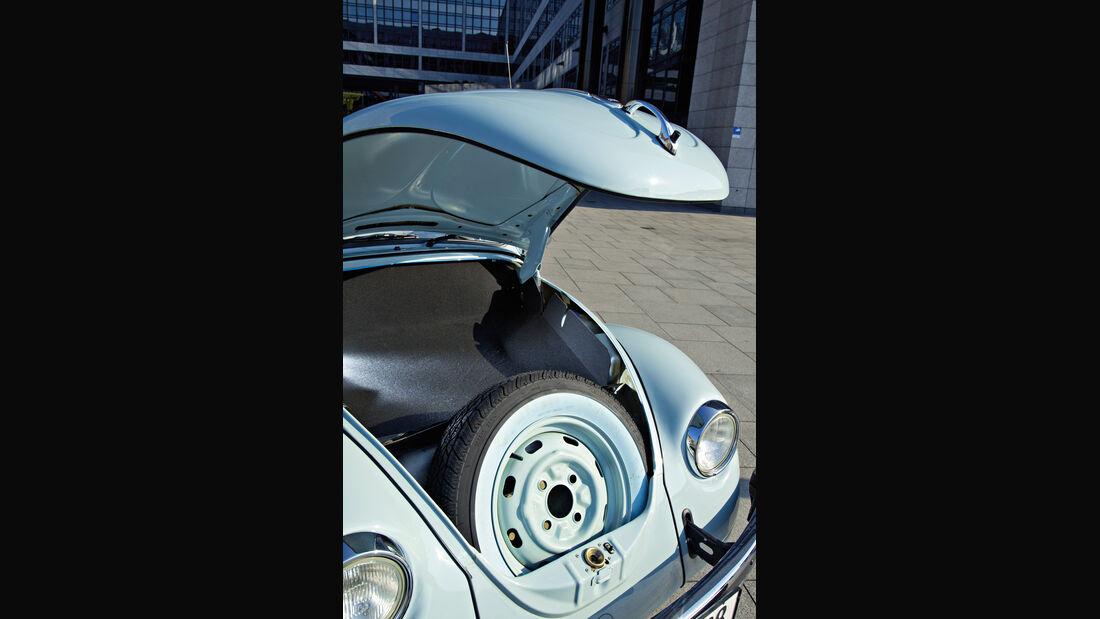 VW Käfer Ultima Edicion, Fronthaube, Ersatzrad