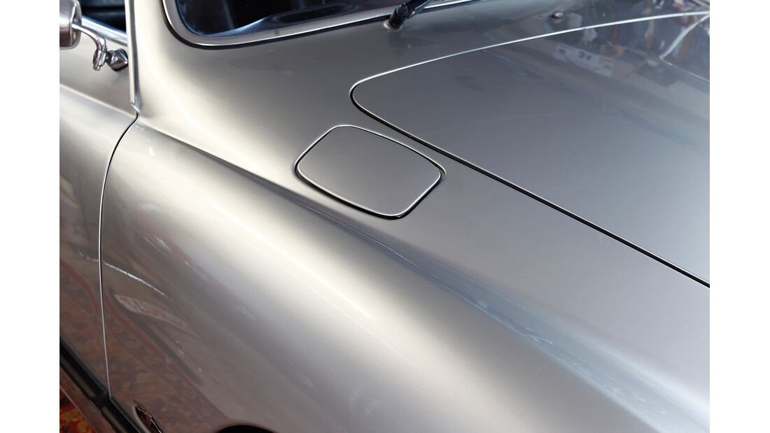 VW Karmann-Ghia Cabriolet, Tankdeckel, Rahmen