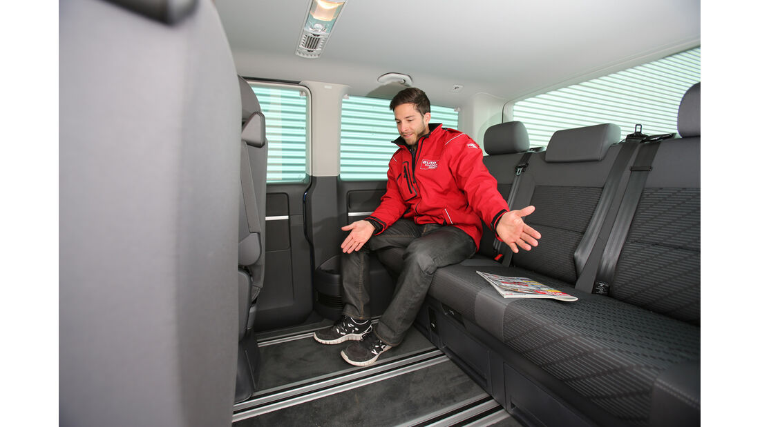 VW Multivan 2.0 TDI, Rücksitz, Beinfreiheit