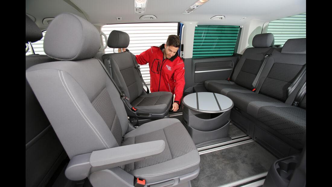 VW Multivan 2.0 TDI, Rücksitze, Innenraum, Tisch