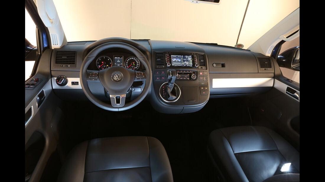 VW Multivan T5, Cockpit