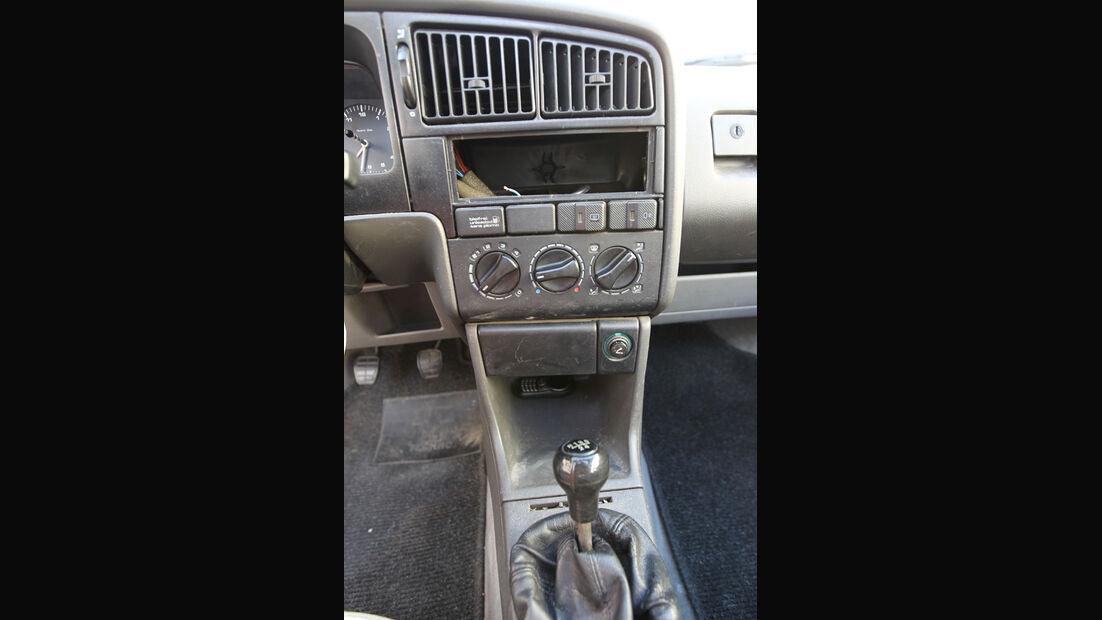 VW Passat 1.8 GL, Mittelkonsole