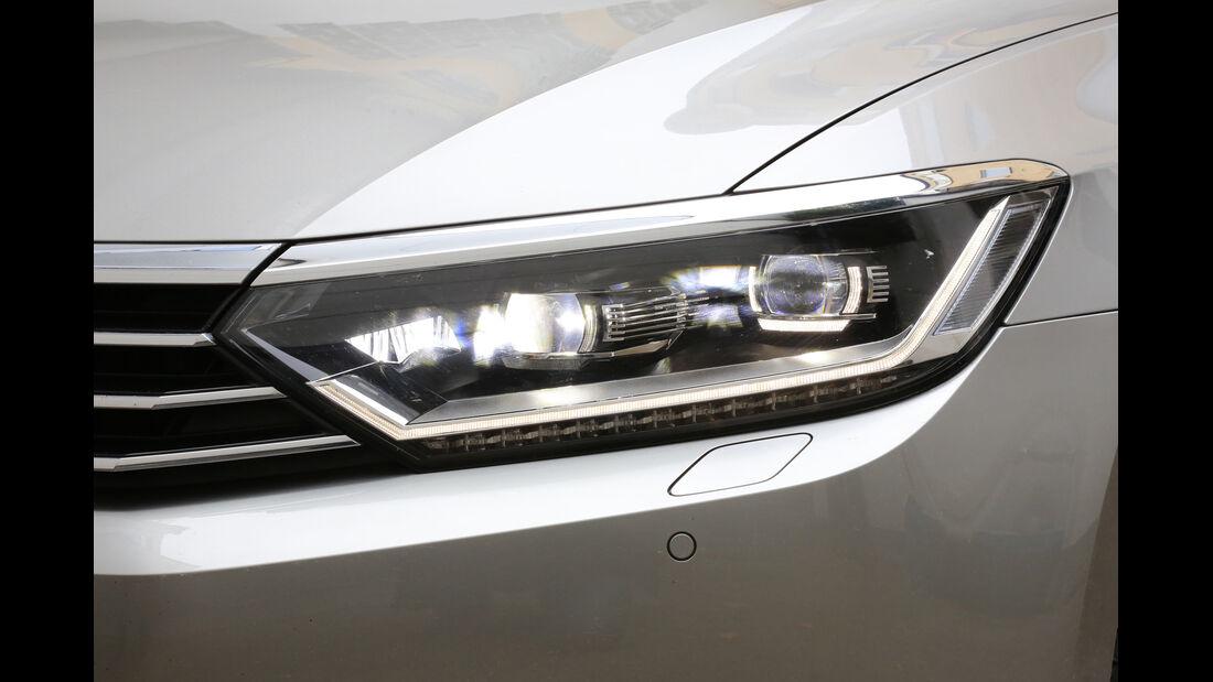 VW Passat 2.0 TDI 4Motion, Frontscheinwerfer