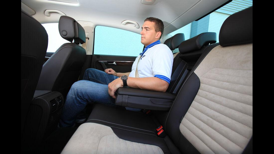 VW Passat 2.0 TDI DSG, Rücksitz, Armlehne