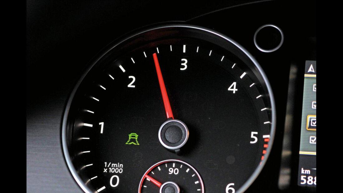 VW Passat 2.0 TDI Variant, Drehzahlmesser