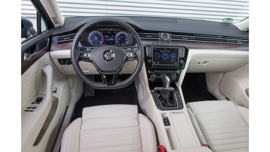 VW Passat 2.0 TSI, Cockpit