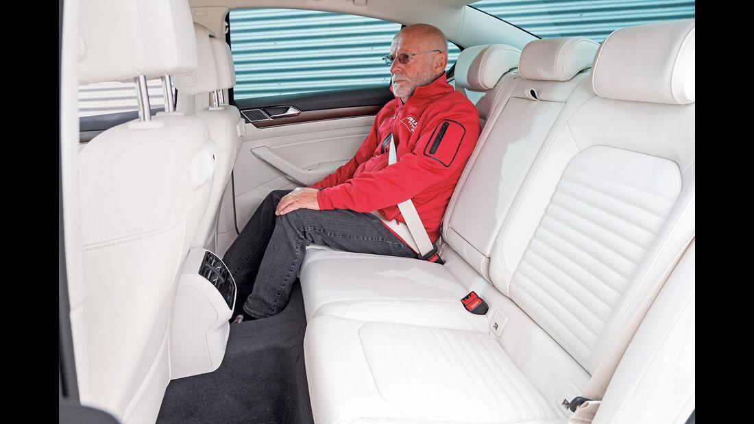 VW Passat 2.0 TSI, Fondsitz
