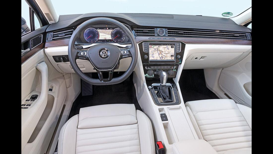 VW Passat, Cockpit