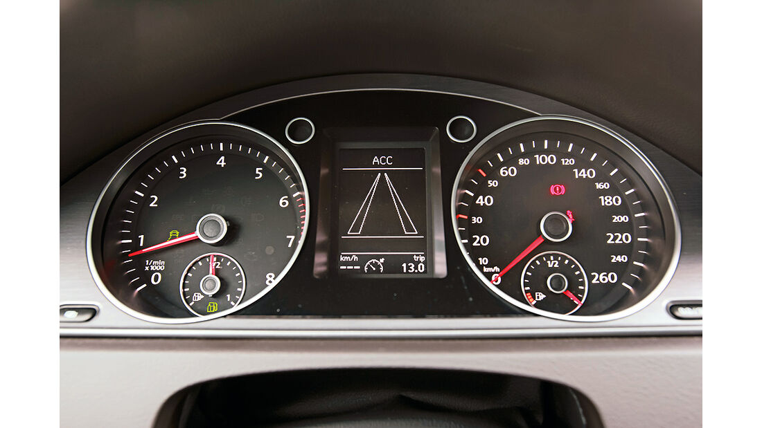 VW Passat Eco Fuel, Innenraum, Cockpit, Tacho