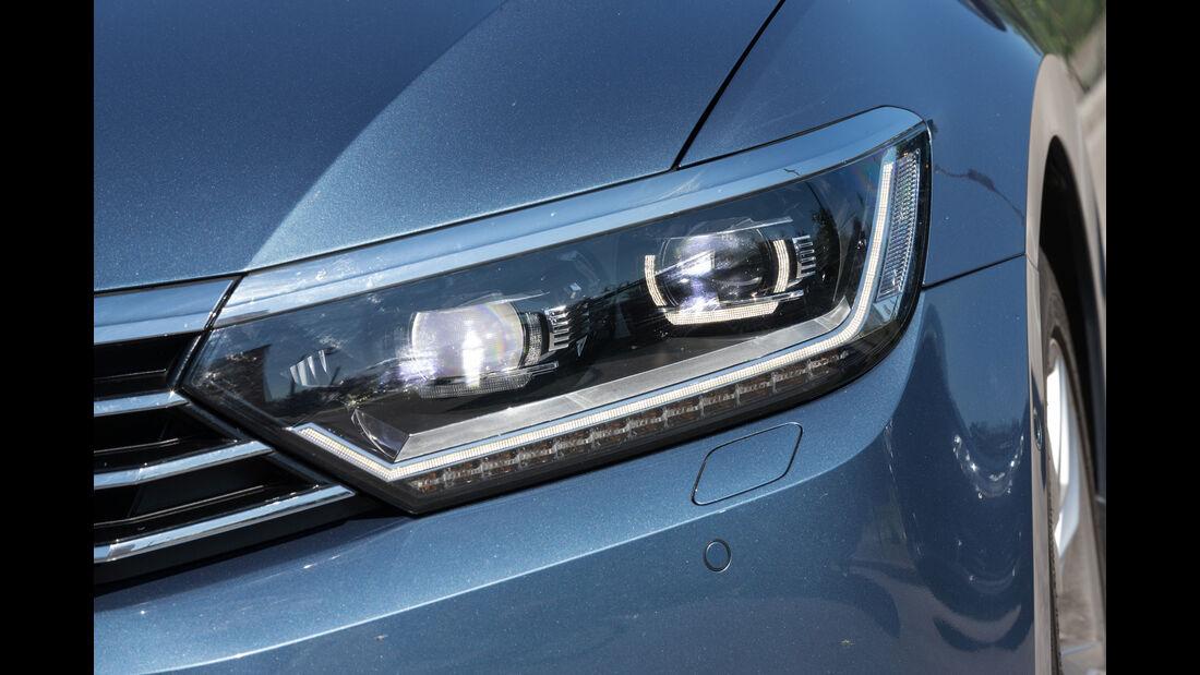 VW Passat, Frontscheinwerfer