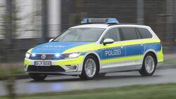 VW Passat GTE Polizei