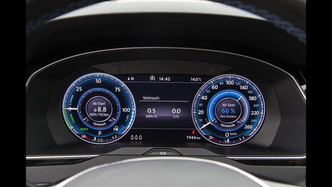 VW Passat GTE, Rundinstrumente