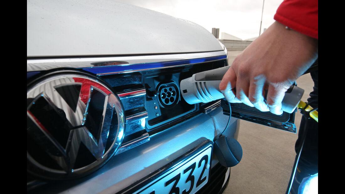 VW Passat GTE, Stromanschluss
