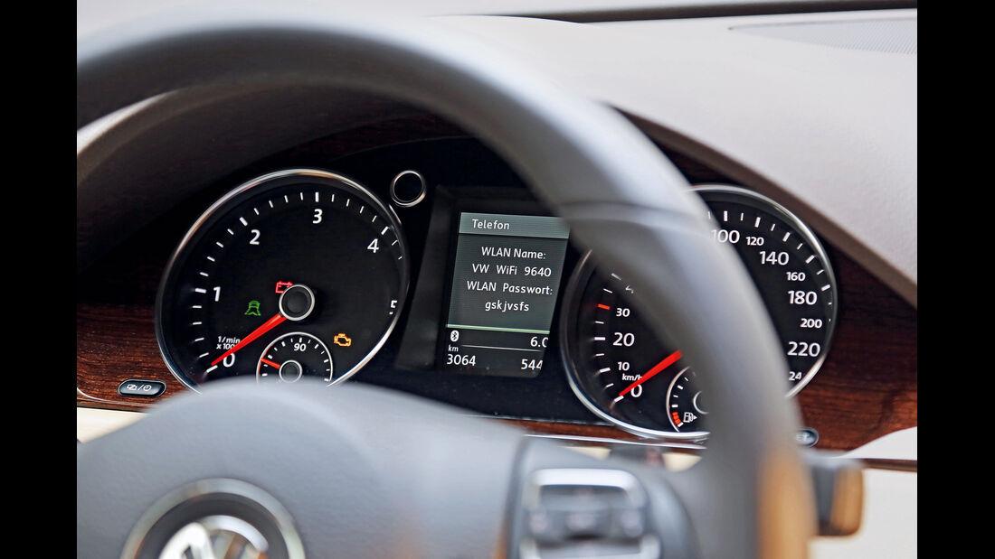 VW Passat, Infotainment