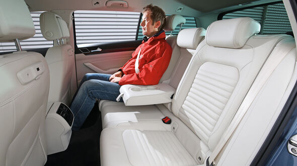 VW Passat Variant 2.0 TDI 4Motion, Fondsitze