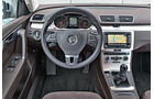 VW Passat Variant 2.0 TDI Highline, Cockpit