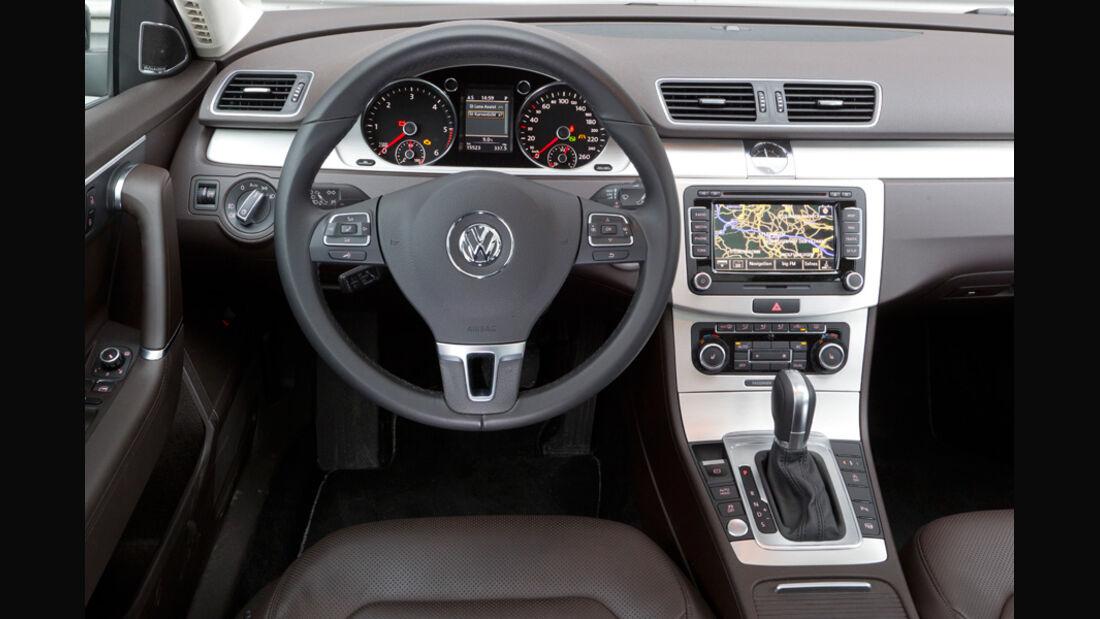 VW Passat Variant Blue TDI Highline, Cockpit, Lenkrad