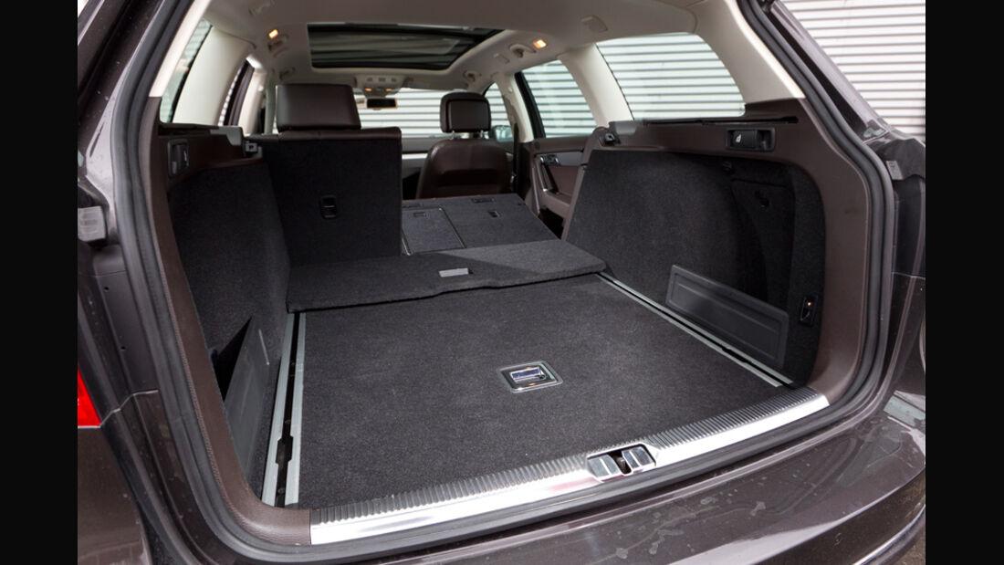 VW Passat Variant Blue TDI Highline, Kofferraum, Ladefläche, Rücksitz umgeklappt