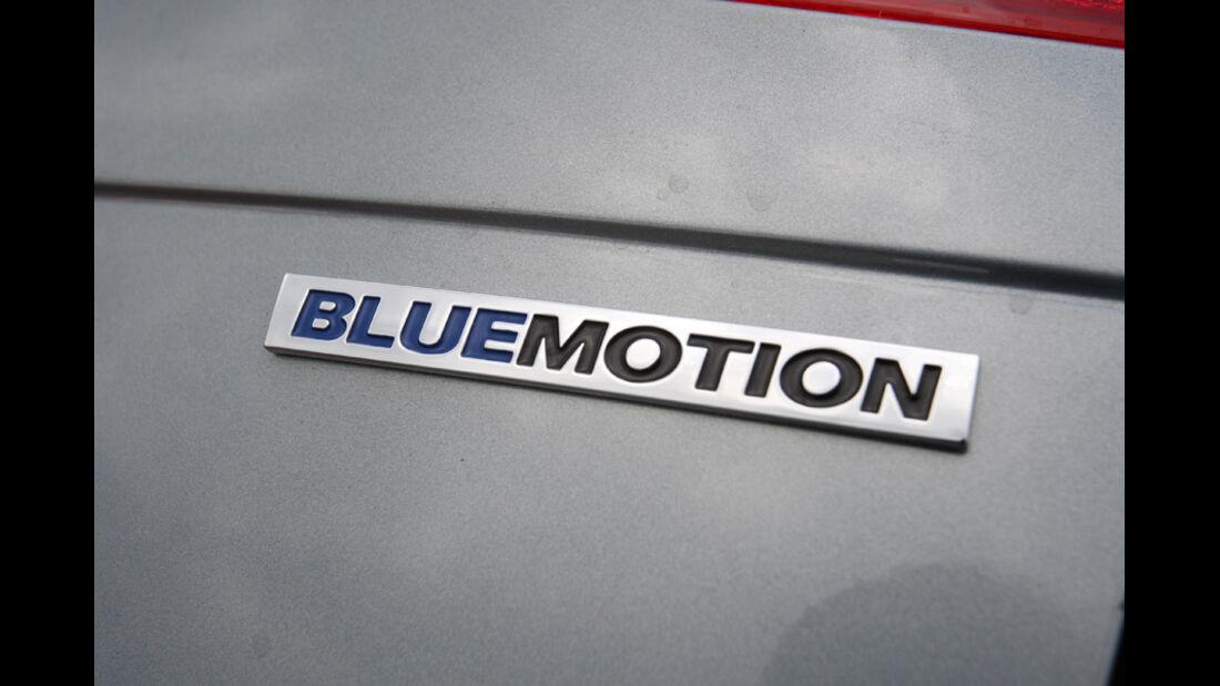 VW Passat Variant BlueMotion, Schriftzug, Typenbezeichnung