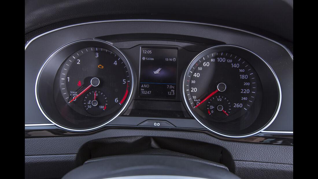 VW Passat Variant Cockpit