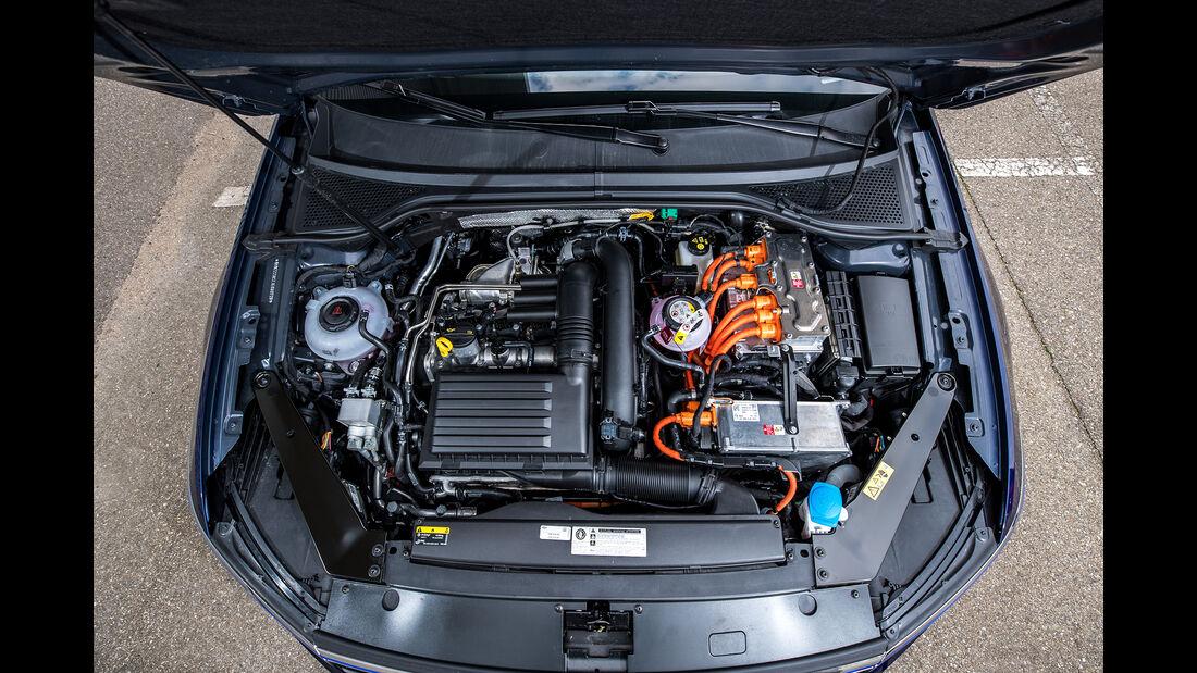 VW Passat Variant GTE, Motor