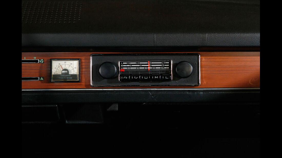 VW Passat Variant L, Radio