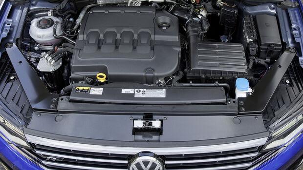 VW Passat Variant R Line, Motorraum