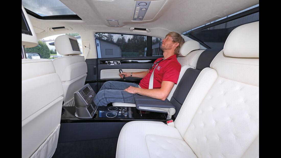 VW Phaeton, Rücksitz, Beinfreiheit
