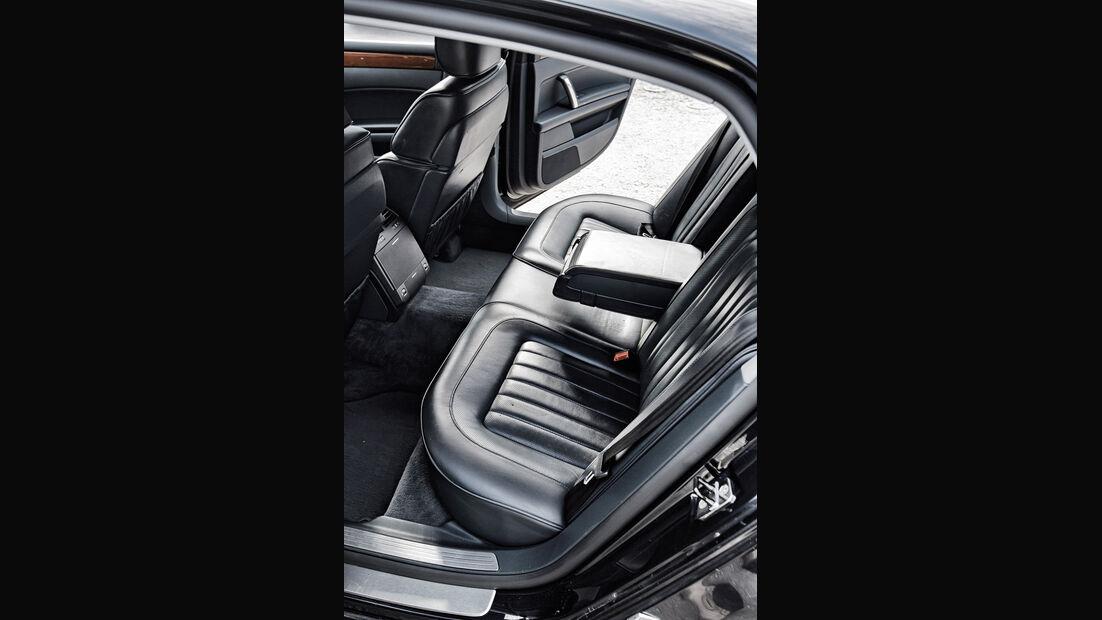 VW Phaeton V10 TDI Motion, Rücksitz, Beinfreiheit