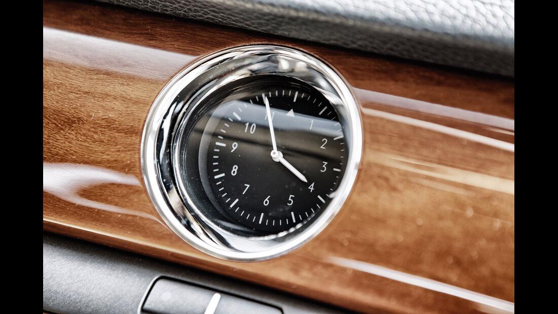 VW Phaeton V10 TDI Motion, Uhr