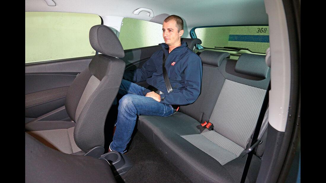 VW Polo 1.2 TDI Blue Motion 87G, Rücksitz, Beinfreiheit