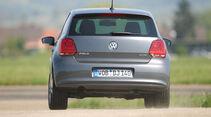 VW Polo 1.6 BiFuel, Rückansicht, Fahrt