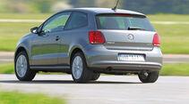 VW Polo 1.6 BiFuel, Rückansicht, Kurvenfahrt