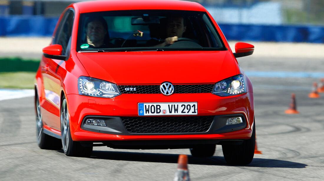 VW Polo GTI, Frontansicht, Slalom