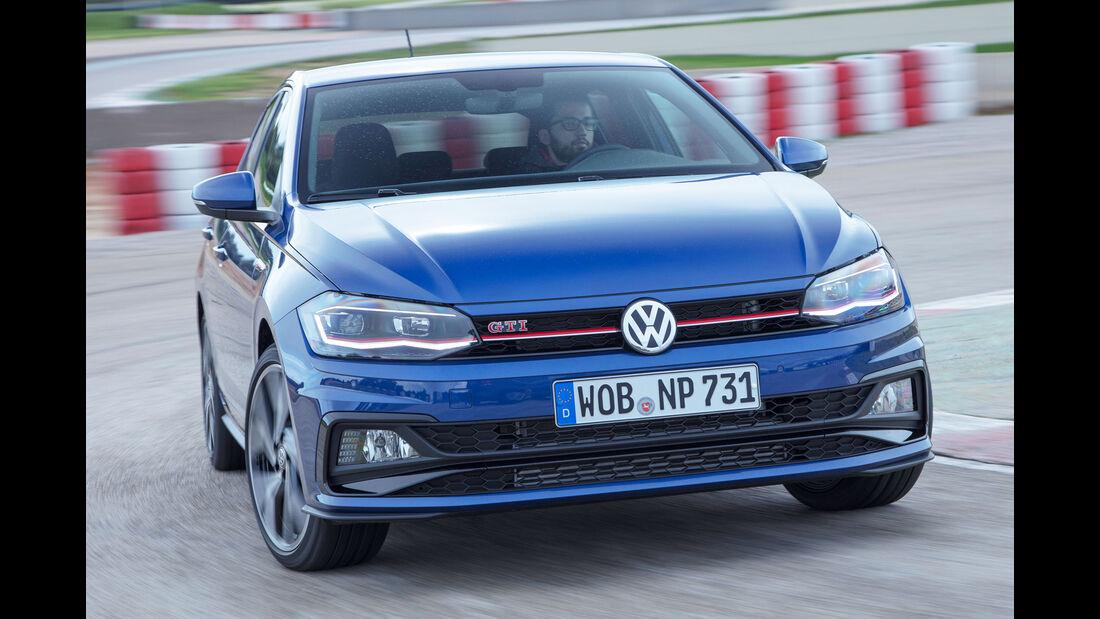 VW Polo VI GTI (2018) AW 2G blau dynamisch Front