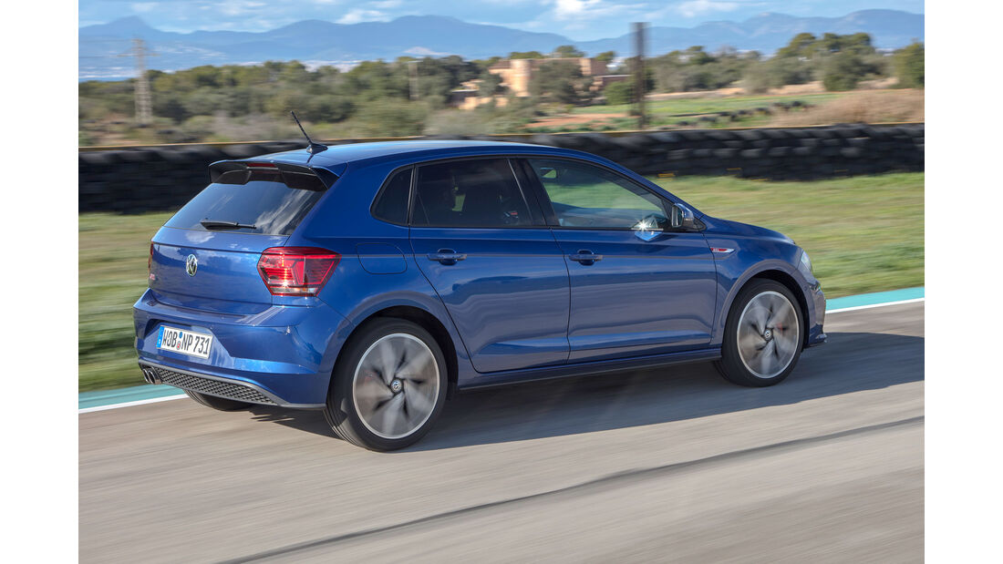 VW Polo VI GTI (2018) AW 2G blau dynamisch Heck