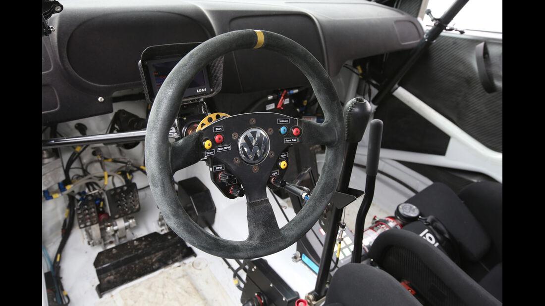 VW Polo WRC, Lenkrad, Bedienelemente