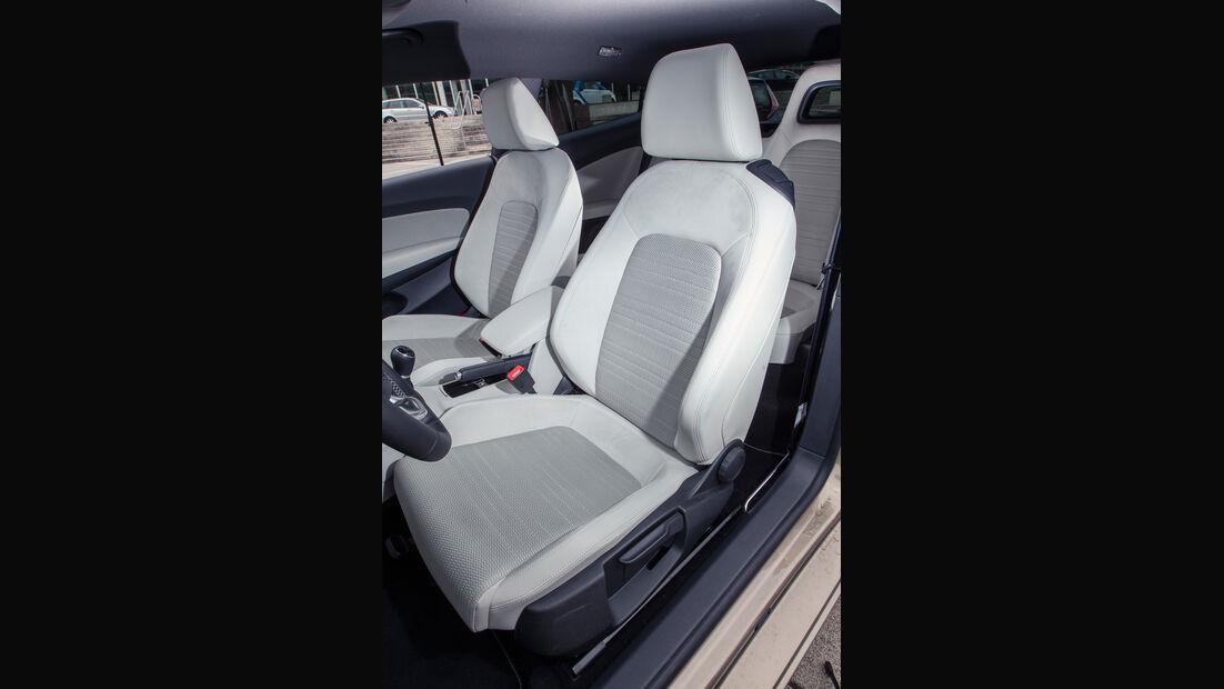 VW Scirocco 2.0 TSI, Fahrersitz