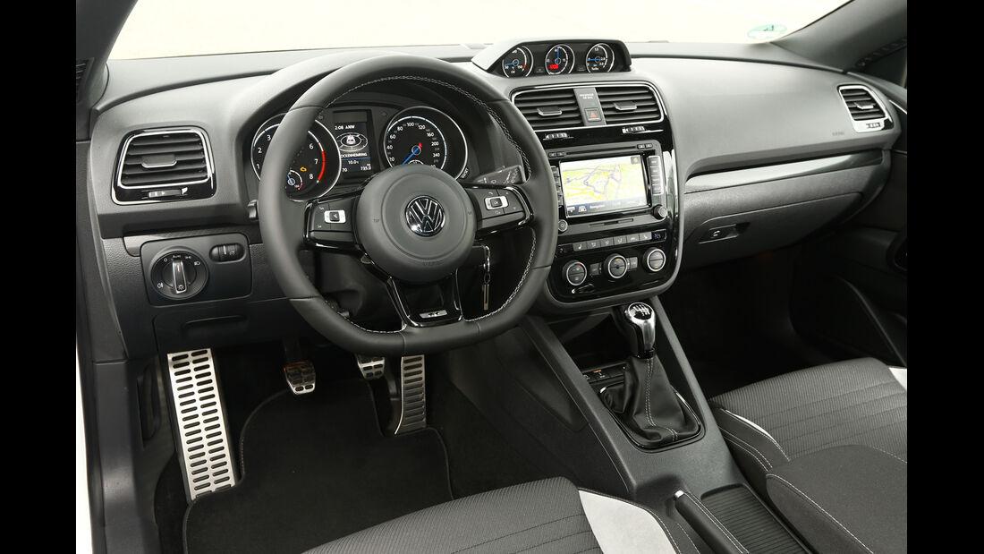 VW Scirocco R, Cockpit