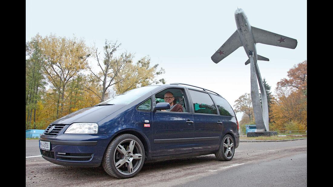 VW Sharan, Kiew, Tankstelle