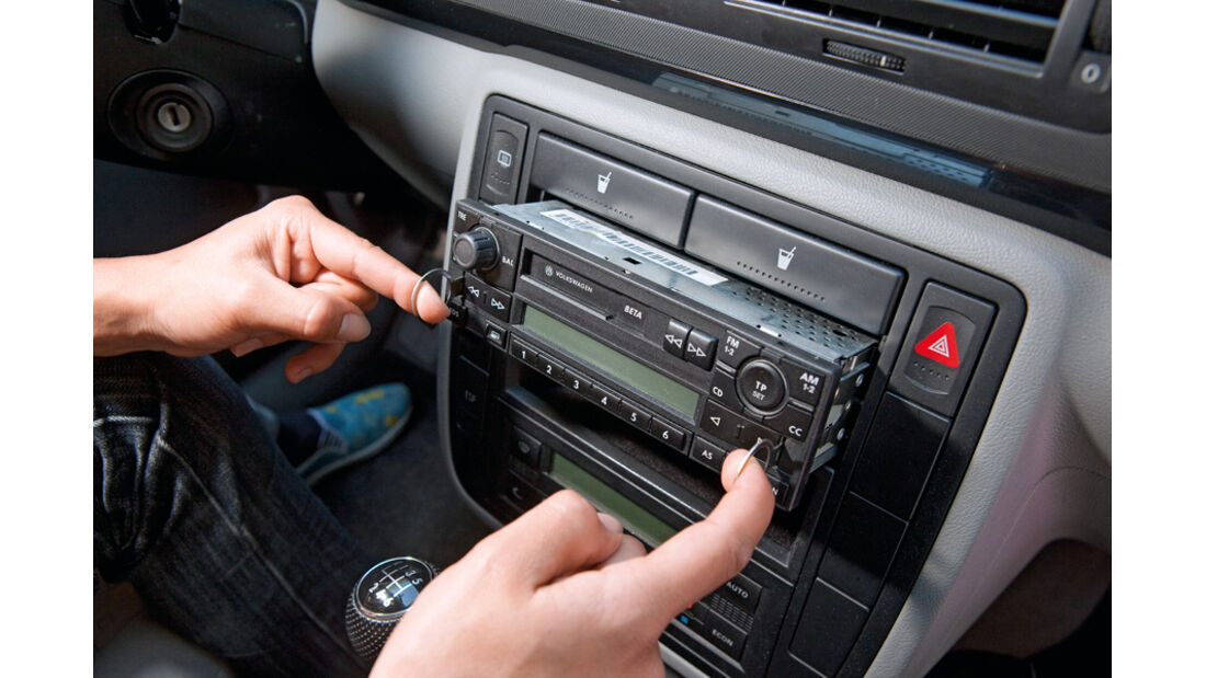 VW Sharan, Radio