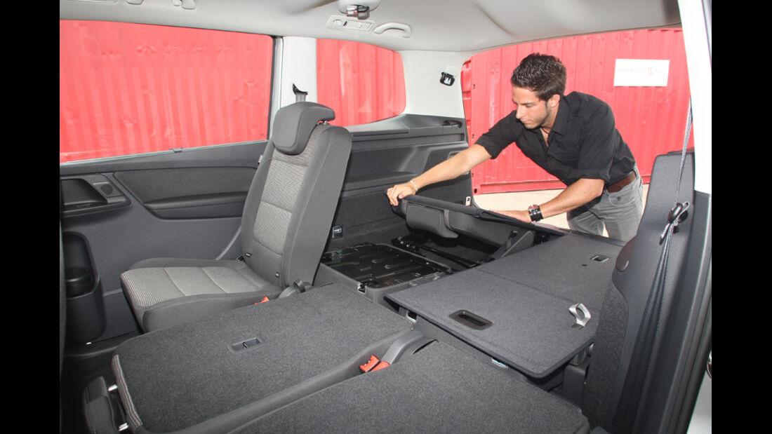 VW Sharan, umgeklappte Rücksitzbank