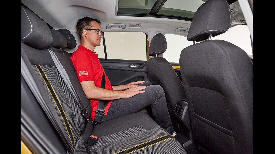 VW T-Roc (2018) Interior Cockpit Active Info Display