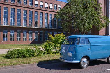 Ältester VW-Bus mit Straßenzulassung wird 70